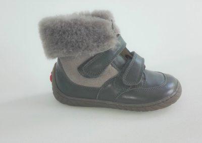 w-maat 23-Pom d'Api grijs pels/  73€